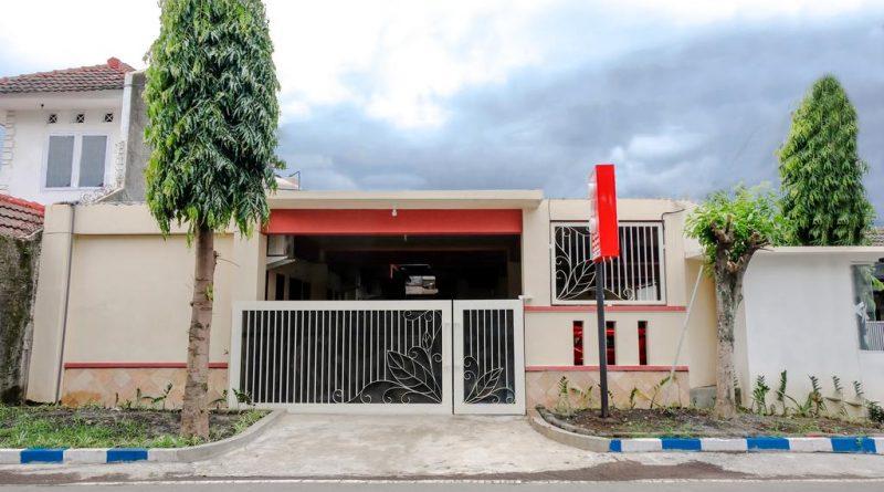 OYO 2986 D&A Residence Syariah And Rent Car