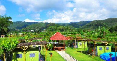Bata Merah Guest House & Camping Ground